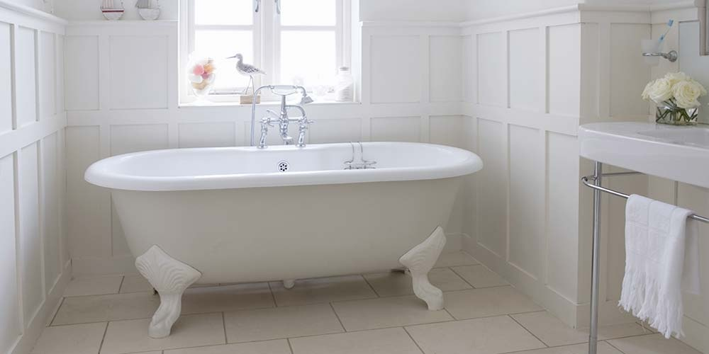 Different types of bath types for your home my horizon home for Soaking tub vs bathtub