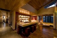 Decorating Tips for Those who Want to Have a Bar at Home